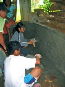 Without exception, women are also learning plaster work for construction.