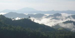 Bendum: Mountain range